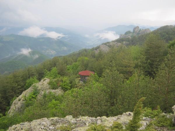 изглед от крепост козник